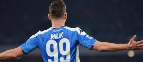 Arkadiusz Milik con la maglia del Napoli.