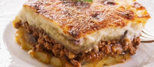 Moussaka: muitas variações. A mais famosa vem da Grécia e é feita por camadas. (Arquivo Blasting News)