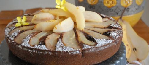 Ricetta torta pere e cioccolato, un dolce immancabile e molto gustoso.