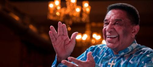 A voz forte e inconfundível do cantor Agnaldo Timóteo se cala para sempre aos 84 anos (Arquivo Blasting News)