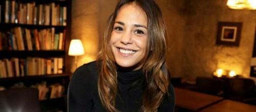 L'actrice Alice Belaïdi accuse à son tour Pierre Ménès (Credit : Twitter officiel La Provence)