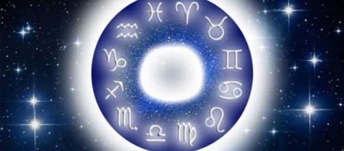 Previsioni oroscopo per la giornata di sabato 10 aprile 2021