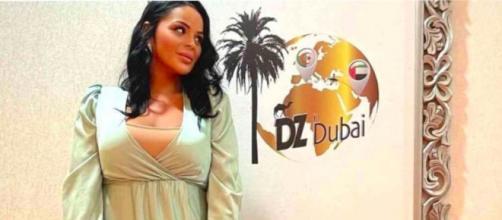 Sarah Fraisou a fait une apparition remarquée dans la toute première télé-réalité algérienne tournée ce moment à Dubaï - Source : Instagram