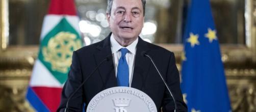 Covid, nuovo decreto. Draghi: annuncia il pass fra regioni di diverso colore.