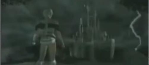 Sonia Belmont rises from her grave. Well, kind of (Image source: GameTrailers/YouTube)