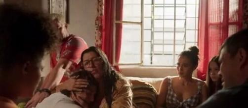 Família de Lurdes em 'Amor de Mãe' (Reprodução/Rede Globo)