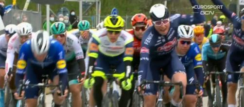 La vittoria di Jasper Philipsen alla Scheldeprijs Vlaanderen.