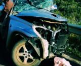 L'auto della vittima ridotta ad un ammasso di lamiere.