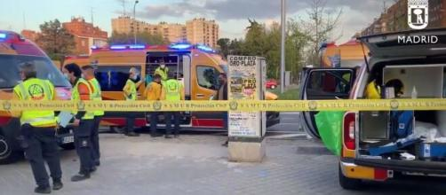 Emergencias desplazadas a Vallecas (Twitter @EmergenciasMad)
