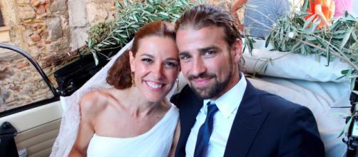 Mario Biondo y Raquel Sánchez Silva el día de su boda en Taormina, Italia. (Foto de álbum familiar)