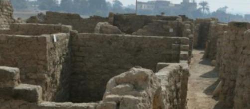 La ciudad conserva intactas pruebas para conocer mejor cómo se vivían en el antiguo Egipto - (Twitter @telecincoes)