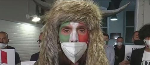 Lo sciamano italiano Ermes Ferrari ospite di Dritto e rovescio.