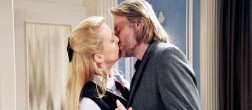 Tempesta d'amore, anticipazioni tedesche: Michael e Rosalie si fidanzano ufficialmente.
