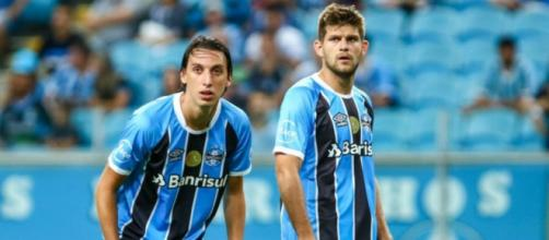 Grêmio vê dupla de zaga cada vez mais separada (Lucas Uebel/Grêmio FBPA)