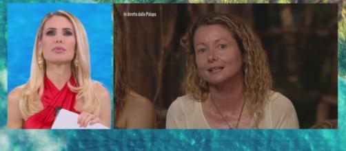 Isola dei Famosi, Vera Gemma contro Angela Melillo : 'Mi hai dato solo colpi alle spalle'.