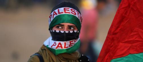 Continua il conflitto tra Hamas ed Israele: lanciati oltre 200 razzi.