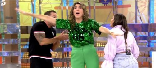 Paz Padilla separando a Rafa Mora y a Anabel Pantoja en la bronca del pasado viernes - (Telecinco)