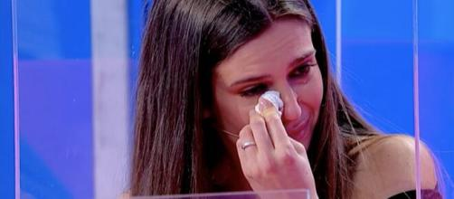 Uomini e Donne, Eugenia lascia lo studio in lacrime.