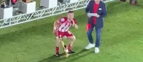 Olympiakos : Mathieu Valbuena dans tous ses états pour fêter le titre (Photo capture RMC Sports)