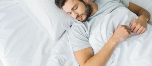 Uma boa noite de sono está associada a uma alimentação adequada. (Arquivo Blasting News)