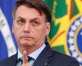 Bolsonaro faz gesto deselegante para opositores em Alagoas (Agência Brasil)