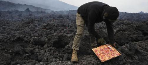 David haciendo pizzas en el Pacaya (@pizzapacayadedavid)