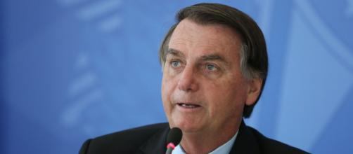 Presidente Bolsonaro voltou a defender em live o tratamento precoce e cloroquina (Marcos Corrêa/PR)