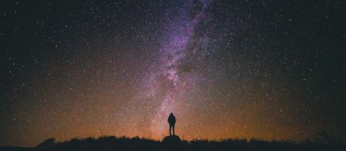 Previsioni zodiacali di sabato 15 maggio: Toro carismatico, Sagittario rilassato.