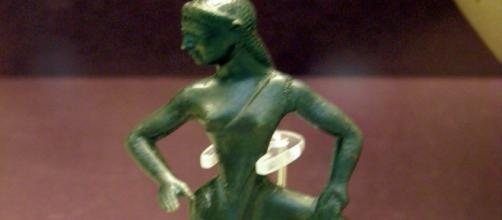 An Artnet report tells how six archaeologists found evidence that women were key players in ancient Greece (Image source: Carole Raddato/Flickr)