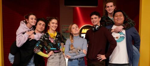 Radio Teen è la nuova serie Tv che andrà in onda dal lunedì al venerdì alle 19:50.