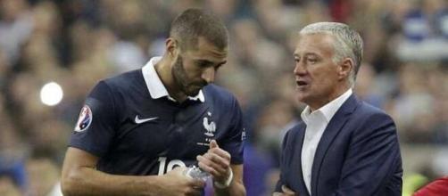 Benzema bientôt de retour en équipe de France ? La rumeur enfle. (crédit photo capture d'écran Twitter OL+)