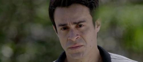 Fernando fica surtado em 'Império' (Reprodução/TV Globo)