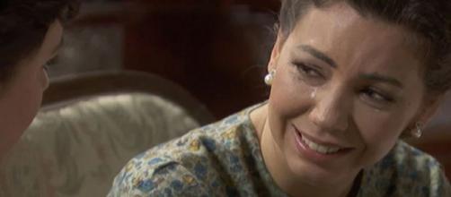 Il segreto, trame Spagna: Emilia confessa a Marcela di avere una grave malattia.