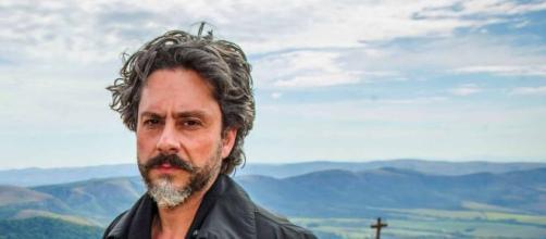José Alfredo pede desculpas em 'Império' (Reprodução/TV Globo)