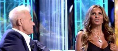 Marta López en un momento de la entrevista con Jordi González (Momento captado en televisión)