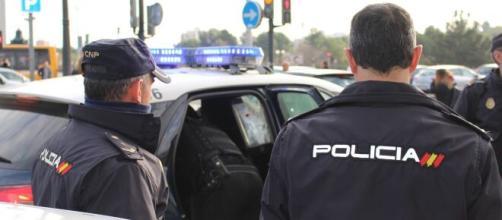 Agentes de la Policía Nacional (@policia)