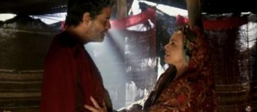 Noar e Adália em 'Gênesis'. (Reprodução/RecordTV)