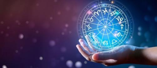 Previsioni astrologiche fine settimana 22-23 maggio: Leone indaffarato, Scorpione stratega.