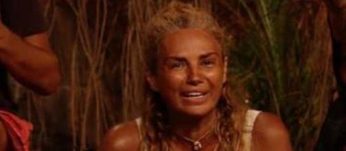 Sylvia Pantoja se rompe al ser preguntada por su bronca con Omar - (Telecinco)