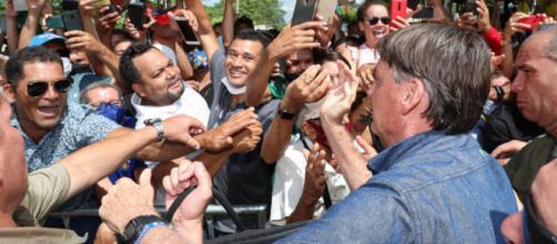 Falta do uso de máscara gera multa ao presidente Bolsonaro (Isac Nóbrega/PR)