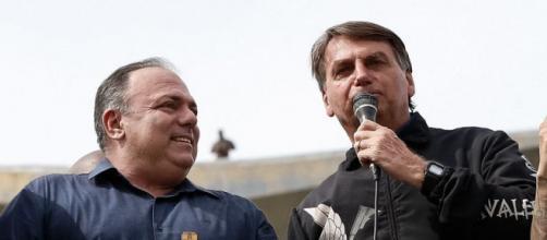 Bolsonaro e Pazuello aparecem sem usar máscara em ato pró-Bolsonaro no Rio de Janeiro (Alan Santos/PR)