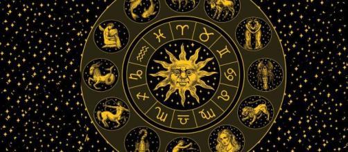 L'oroscopo settimanale fino al 6 giugno: Venere in Cancro e Luna in Ariete (1ª parte).