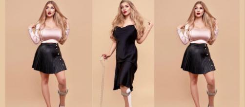 La modelo Lucy Dawson posando con su férula en la pierna y su bastón - Instagram (@luuudaw)