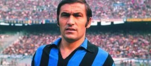 Tarcisio Burgnich con la maglia dell'Inter nella seconda metà degli anni '60.