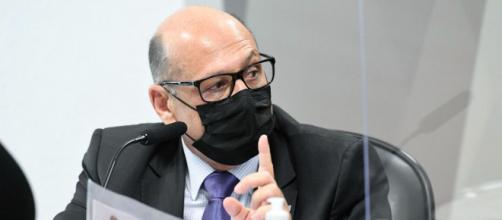 Diretor do Butantan reclamou da falta de apoio de Bolsonaro no processo de produção da vacina do instituto (Jefferson Rudy/Agência Senado)