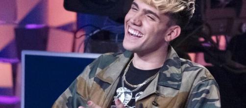 Aka7even: dopo Amici, il cantante ha 'defollowato' Raffaele Renda.