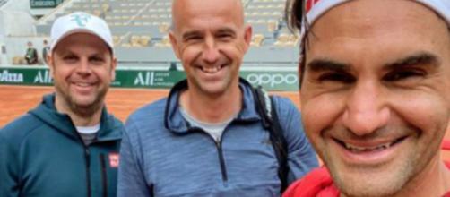 Roger Federer est déjà sur les courts de Roland-Garros pour préparer le prochain tournoi du Grand Chelem (Photo : Instagram de Roger Federer)