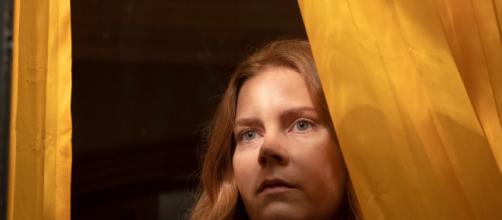 Amy Adams protagoniza o novo suspense da Netflix, 'A Mulher na Janela' (Foto: Arquivo Blastingnews)