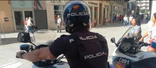 Las autoridades policiales buscan a las niñas por aire, tierra y mar (Instagram, @emergencias_policias)