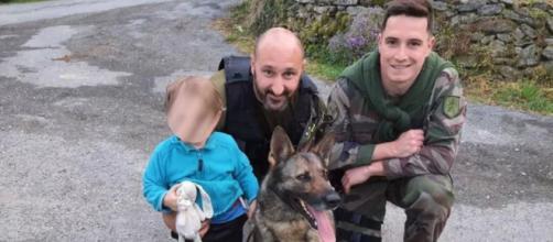 Les gendarmes de l'Aveyron sont parvenus à retrouver un petit garçon disparu grâce à leur chienne - Source : Twitter @Gendarmerie_012